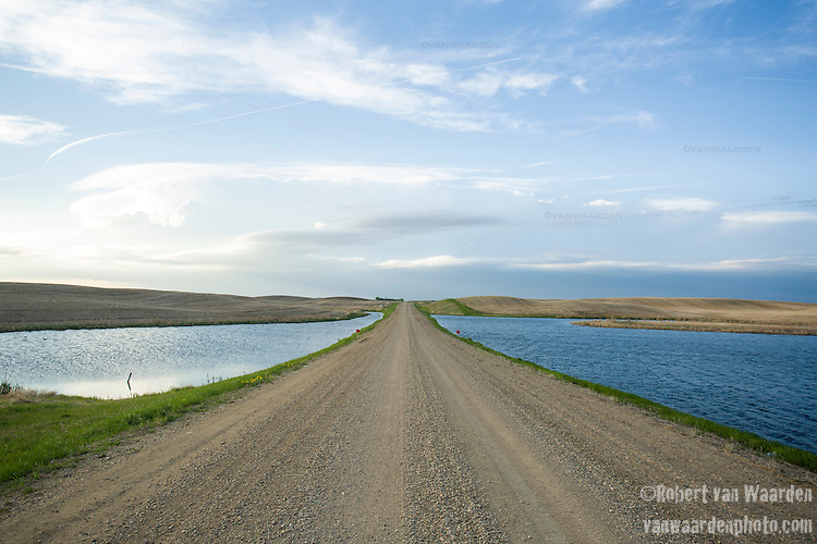 A prairie scene near Chaplin, Saskatchewan and near the TransCanada mainline, site of the proposed Energy East pipeline running from Alberta to Saint John, New Brunswick. (Credit: Robert van Waarden - http://alongthepipeline.com)