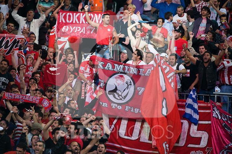 La aficion griega enloquecida con el triunfo. FINAL FOUR 2012. FINAL: CSKA MOSKOVA vs OLYMPIAKOS. 13rd May 2012. Estambul