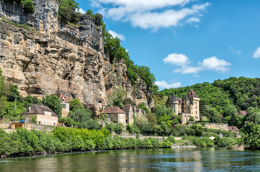 The view from a Gabare Norbert boat moving up the Dordogne near the village of La Roque-Gageac