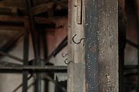 Lost Place, Dachboden.<br /> 6.7.2014, Berlin<br /> Copyright: Christian-Ditsch.de<br /> [Inhaltsveraendernde Manipulation des Fotos nur nach ausdruecklicher Genehmigung des Fotografen. Vereinbarungen ueber Abtretung von Persoenlichkeitsrechten/Model Release der abgebildeten Person/Personen liegen nicht vor. NO MODEL RELEASE! Don't publish without copyright Christian-Ditsch.de, Veroeffentlichung nur mit Fotografennennung, sowie gegen Honorar, MwSt. und Beleg. Konto: I N G - D i B a, IBAN DE58500105175400192269, BIC INGDDEFFXXX, Kontakt: post@christian-ditsch.de<br /> Urhebervermerk wird gemaess Paragraph 13 UHG verlangt.]