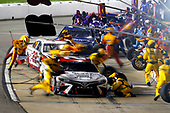 Monster Energy NASCAR Cup Series<br /> Federated Auto Parts 400<br /> Richmond Raceway, Richmond, VA USA<br /> Saturday 9 September 2017<br /> Matt Kenseth, Joe Gibbs Racing, Hurricane Harvey Relief Toyota Camry pit stop<br /> World Copyright: Russell LaBounty<br /> LAT Images
