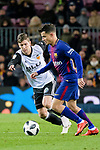 Philippe Coutinho of FC Barcelona (R) fights for the ball with Luciano Vietto of Valencia CF (L) during the Copa Del Rey 2017-18 match between FC Barcelona and Valencia CF at Camp Nou Stadium on 01 February 2018 in Barcelona, Spain. Photo by Vicens Gimenez / Power Sport Images