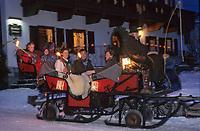 Europe/Autriche/Tyrol/Schlitters: Départ en traineau pour la messe de Noël