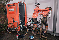 a dissapointed Pim Ronhaar (NED) getting some comforting by a teammate post-race<br /> <br /> Junior Men's Race<br /> UCI CX Worlds 2018<br /> Valkenburg - The Netherlands