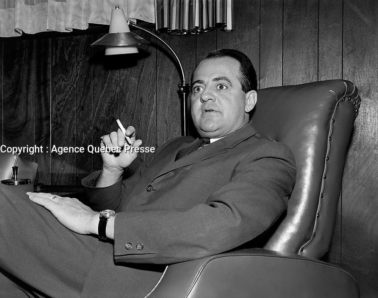 ARCHIVE <br /> <br />  Le chanteur Pierre Boutet<br /> Date : 24 septembre 1965<br /> <br /> <br />  © Agence Québec Presse, Fonds Photo Moderne