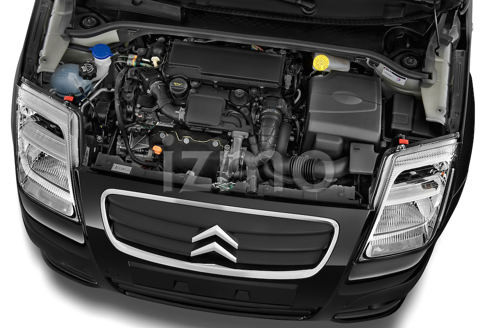 High angle engine detail of a 2008 - 2009 Citroen C2 VTR 3 Door Hatchback 2WD