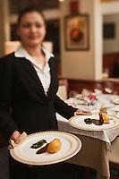 Europe/France/Bretagne/29/Finistère/Brest: Service au restaurant d' Yvon Morvan: L'Armen