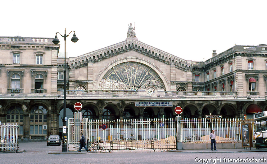 Paris: Gare de L'Est. Architect François Duquesney. One of oldest and largest railway stations in Paris. Opened in 1849. Photo '87.