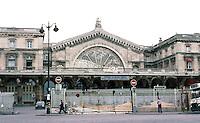 Paris: Gare de L'Est. Architect François Duquesney. One of oldest and largest railway stations in Paris. Opened in 1849. Photo '87.