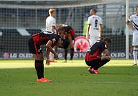 Enttaeuschte Frankfurter nach dem 1:1 Unentschieden<br /> - 19.09.2020: Fussball  Bundesliga, Saison 20/21, Spieltag 1, Eintracht Frankfurt vs. Arminia Bielfeld, emonline, emspor, v.l. Deutsche Bank Park<br /> Foto: Marc Schueler/Sportpics.de <br /> Nur für journalistische Zwecke. Only for editorial use. (DFL/DFB REGULATIONS PROHIBIT ANY USE OF PHOTOGRAPHS as IMAGE SEQUENCES and/or QUASI-VIDEO)