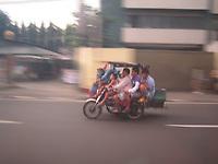 motorbike in manila<br /> photo : (c) images Distribution