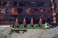Hansaport im Hafen Hamburg: EUROPA, DEUTSCHLAND, HAMBURG, (EUROPE, GERMANY), 02.02.2014 Erz Verladung  im Hansaport Hamburg