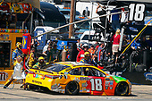 Monster Energy NASCAR Cup Series<br /> Toyota Owners 400<br /> Richmond International Raceway, Richmond, VA USA<br /> Sunday 30 April 2017<br /> Kyle Busch, Joe Gibbs Racing, M&M's Toyota Camry pit stop<br /> World Copyright: Russell LaBounty<br /> LAT Images<br /> ref: Digital Image 17RIC1Jrl_6794