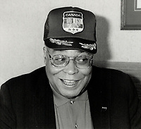1987 FILE PHOTO - ARCHIVES -<br /> <br /> James Earl jones sporting a canadian baseball cap<br /> <br /> 1987<br /> <br /> PHOTO :  Erin Comb - Toronto Star Archives - AQP