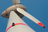 Europa Deutschland DEU Hamburg ,  Enercon Windkraftanlage E-126 mit 6 MW Leistung in Altenwerder , weltweit groesste Windmuehle  / Europe Germany GER Hamburg , Enercon windmill E-126 with performance of 6 MW in Hamburg harbour area Altenwerder
