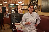 Europe/France/Bretagne/29/Finistère/Brest: Stéphanie Hubert dans son restaurant: Les Zincs et les Hôtes, [Non destiné à un usage publicitaire - Not intended for an advertising use]