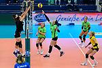 18.10.2020, Sporthalle Berg Fidel, Muenster<br /> Volleyball, Bundesliga Frauen, Normalrunde, USC Münster / Muenster vs. Rote Raben Vilsbiburg<br /> <br /> Block / Doppelblock Kayla Haneline (#13 Vilsbiburg), Lena Möllers / Moellers (#5 Vilsbiburg) - Angriff Anika Brinkmann (#4 Muenster)<br /> <br />   Foto © nordphoto / Kurth