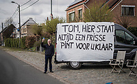 roadside fans cheering for Tom Boonen in his very last race on Belgian soil<br /> <br /> 105th Scheldeprijs 2017 (1.HC)<br /> 1 Day Race: Mol › Schoten (BEL/202km)