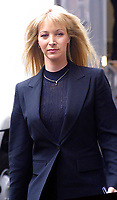 """Lisa Kudrow 2002<br /> FILMING OF THE MOVIE """"ANALYZE THAT"""" NYC.<br /> Photo By John Barrett/PHOTOlink"""