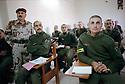 Irak 2000.Le général Shehab Ahmed, ancien général de l'armée irakienne, commandant de l'Académie Militaire kurde de Zakho au milieu des élèves officiers.Iraq 2000.In the military academy of Zakho, students in a classroom