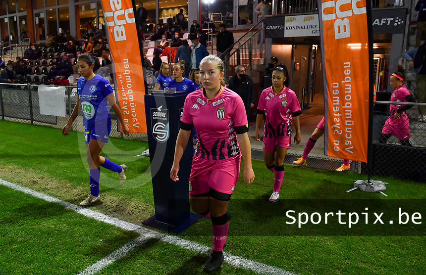 Megane Vos (20 Charleroi) pictured entering the pitch during a female soccer game between  AA Gent Ladies and Sporting Charleroi Feminin on the fifth matchday of the 2020 - 2021 season of Belgian Scooore Womens Super League , friday 16 th of October 2020  in Oostakker , Belgium . PHOTO SPORTPIX.BE | SPP | DAVID CATRY