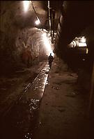 SUDAFRICA - Kimberley, miniera di diamanti di Bultfontein ( Miniere De Beers): interno di una galleria della miniera.