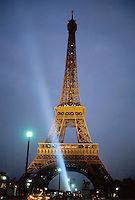 - Paris, the Tour Eiffel by night ....- Parigi, la Tour Eiffel di notte