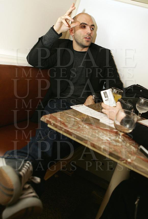 Lo scrittore Roberto Saviano durante un'intervista a Roma, 26 marzo 2008..Italian writer Roberto Saviano during an interview in Rome, 26 march 2008..UPDATE IMAGES PRESS/Riccardo De Luca