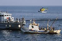 - Financial police, control of a fishing boat with motor patrol vessel and helicopter in the gulf of Naples ....- Guardia di Finanza, controllo di un peschereccio con motovedetta ed elicottero  nel  golfo di Napoli