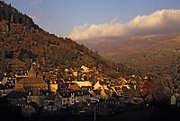 Europe/France/Auvergne/15/Cantal/Thiezac: Le Plomb du Cantal et le village