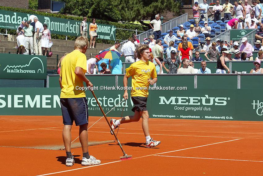 16-7-06,Scheveningen, Siemens Open,  finals, court maintenance