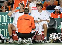 7-4-07, England, Birmingham, Tennis, Daviscup England-Netherlands, Rogier Wassen and Robin Haase in the doubles being coached bij Jan Siemerink