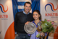 Hilversum, Netherlands, December 4, 2016, Winter Youth Circuit Masters, winner girls 14 years Marwa Hakimi with Fedcup  captain Paul Haarhuis.<br /> Photo: Tennisimages/Henk Koster