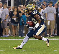 Lafayette Pitts returns the opening kickoff. Florida State  defeated Pitt 41-13 at Heinz Field on September 2, 2013.