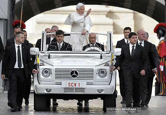 Pope Benedict XVI during his weekly general audience in St. Peter square at the Vatican, Wednesday. 17 October, 2012