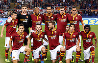 Calcio, Serie A: Roma vs Napoli. Roma, stadio Olimpico, 18 ottobre 2013.<br /> AS Roma players, back row, from left, Alessandro Florenzi, Morgan De Sanctis, Maicon, Mehdi Benatia, Kevin Strootman, Leandro Castan, front row, from left, Francesco Totti, Miralem Pjanic, Daniele De Rossi, Dodo' and Gervinho pose prior to the start of the Italian Serie A football match between AS Roma and Napoli at Rome's Olympic stadium, 18 October 2013.<br /> UPDATE IMAGES PRESS/Riccardo De Luca