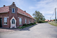 roadside chapel <br /> cycling hotspots & impressions in Heuvelland<br /> <br /> Cycling In Flanders <br /> Flanders Tourist Board<br /> <br /> ©kramon