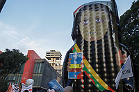 SÃO PAULO, SP, 29.05.2021 - Mobilização Nacional por Fora Bolsonaro SP - Pessoas vão as ruas munidas com cartazes protestar contra o Governo do atual Presidente Jair Bolsonaro no ato unificado organizado por Lideranças de vários movimentos estudantis e políticos em todo país neste mesmo dia pedindo por impeachment. O Ato teve início no Museu de Arte Moderna MASP, Zona Sul de São Paulo na tarde deste sábado (29).