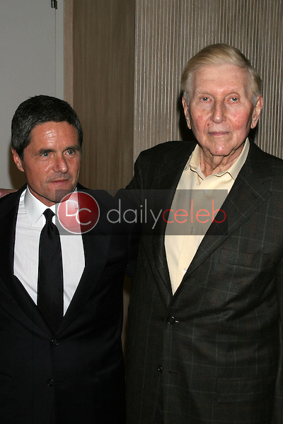 Brad Grey and Sumner Redstone<br />at the Friends of the Los Angles Free Clinic Annual Dinner Gala. Beverly Hilton Hotel, Beverly Hills, CA. 11-20-06<br />Dave Edwards/DailyCeleb.com 818-249-4998