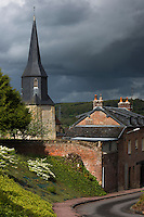France, Calvados (14), Pays d' Auge, Coquainvilliers: l'église avec son clocher normand // France, Calvados, Pays d' Auge, Coquainvilliers: the church with its Norman tower