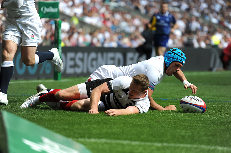 Chris Ashton (Toulon & England) of Barbarians scores his second try of the afternoon during the Quilter Cup match between England and Barbarians at Twickenham Stadium on Sunday 27th May 2018 (Photo by Rob Munro/Stewart Communications)