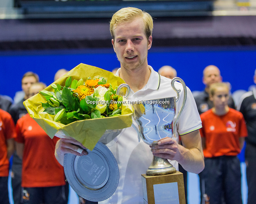 Rotterdam, Netherlands, December 18, 2016, Topsportcentrum, Lotto NK Tennis, Botec van de Zandschulp (NED) wins de National Championships<br /> Photo: Tennisimages/Henk Koster