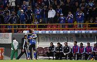 BOGOTA- COLOMBIA. 29-03-2015: Jonathan Agudelo (I) de Millonarios celebra, con Ricardo Lunari, un gol anotado a Boyacá Chicó FC durante partido por la fecha 12 de la Liga Águila I 2015 jugado en el estadio Nemesio Camacho El Campín de la ciudad de Bogotá / Jonathan Agudelo (L) of Millonarios celebrates, with Ricardo Lunari, a goal scored to Boyaca Chico FC during the match for the 12th date of the Aguila League I 2015 played at Nemesio Camacho El Campin stadium in Bogotá city. Photo: VizzorImage / Nestor Silva / Str