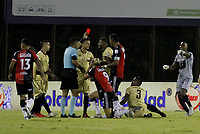 RIONEGRO - COLOMBIA, 06-11-2020: Luis Matorel, arbitro, muestra la tarjeta roja durante el partido por la fecha 18 entre Rionegro Águilas y Cúcuta Deportivo de la Liga BetPlay DIMAYOR I 2020 jugado en el estadio Alberto Grisales de la ciudad del Rionegro. / Luis Matorel, referee, shows the yellow card during the match for the date 18 between Rionegro Aguilas and Cucuta Deportivo of the BetPlay DIMAYOR League I 2020 played at Alberto Grisales stadium in Rionegro city. Photo: VizzorImage / Juan Augusto Cardona / Cont