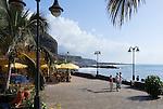 Spain, Canary Islands, La Palma, Puerto de Tazacorte: resort with black sandy beach, seaside promenade