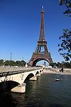 Pont d'Iéna Iena bridge with Eiffel Tower La tour eiffel in the background. City of Paris. Paris. France