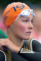 31 MAY 2014 - LONDON, GBR - Rachel Klamer (NED) of the Netherlands prepares for the start of the women's 2014 ITU World Triathlon Series round in Hyde Park, London, Great Britain (PHOTO COPYRIGHT © 2014 NIGEL FARROW, ALL RIGHTS RESERVED)