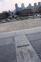 Amérique/Amérique du Nord/USA/Etats-Unis/Vallée du Delaware/Pennsylvanie/Philadelphie : Philadelphia Museum of Art - Les pas de Rocky - En fond, Benjamin Franklin Avenus & la ville