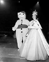 Le  Carnaval de Québec avec Brigitte Desrocher, Duché de Montmorency - Reine 1958<br /> <br /> Photographe : Photo Moderne