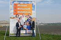 CDU-Berlin stellt Plakate zum Volksbegehren Tempelhofer Feld vor.<br />Am Donnerstag den 3. April 2014 stellte die Berliner CDU auf der Freiflaeche des ehemaligen Flughafen Tempelhof ihre Plakate zum Volksbegehren Tempelhofer Feld vor. Sie fordert einen Gesetzentwurf, der eine Bebauung um eine 230ha grosse Freiflaeche vorsieht.<br />Die Buergerinitiative 100% Tempelhof hatte hatte mit Unterschriftensammlungen das Volksbegehren erwirkt. Es wird am 25. Mai 2014 parralell zur Europawahl stattfinden.<br />Links im Bild: Kai Wegner, Generalsekretaer der CDU-Berlin.<br />Rechts: Stefan Evers, stadtenwicklungspolitischer Sprecher der CDU-Berlin.<br />3.4.2014, Berlin<br />Copyright: Christian-Ditsch.de<br />[Inhaltsveraendernde Manipulation des Fotos nur nach ausdruecklicher Genehmigung des Fotografen. Vereinbarungen ueber Abtretung von Persoenlichkeitsrechten/Model Release der abgebildeten Person/Personen liegen nicht vor. NO MODEL RELEASE! Don't publish without copyright Christian-Ditsch.de, Veroeffentlichung nur mit Fotografennennung, sowie gegen Honorar, MwSt. und Beleg. Konto:, I N G - D i B a, IBAN DE58500105175400192269, BIC INGDDEFFXXX, Kontakt: post@christian-ditsch.de]